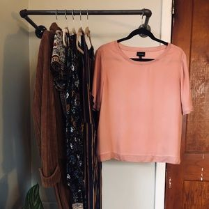 Short-Sleeve Pink Top/Blouse